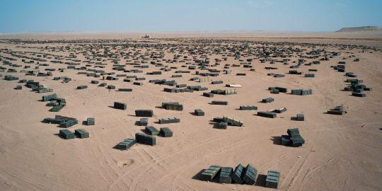 stock-de-munitions-dans-le-desert-libyen