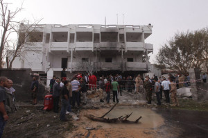 attentat-contre-l-ambassade-de-france-a-Tripoli-Libye_scalewidth_630