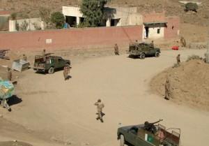 soldats-pakistanais-dans-la-ville-de-miranshah-au-waziristan_1185632
