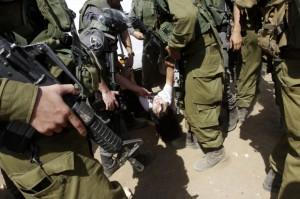 Marion-Castaing-Diplomates-Cisjordanie_inside_full_content_pm_v8