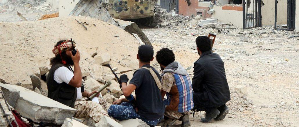 des-membres-des-forces-loyales-au-gouvernement-d-union-libyen-a-syrte