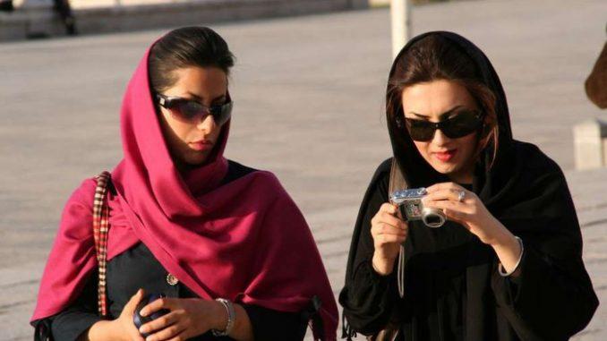 Le port du voile n'est plus obligatoire pour les Iraniennes